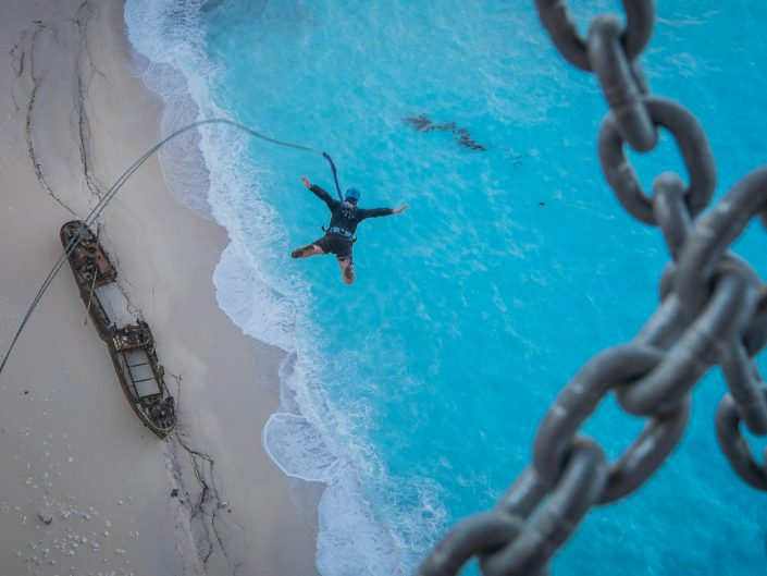 Rope jump in paradise